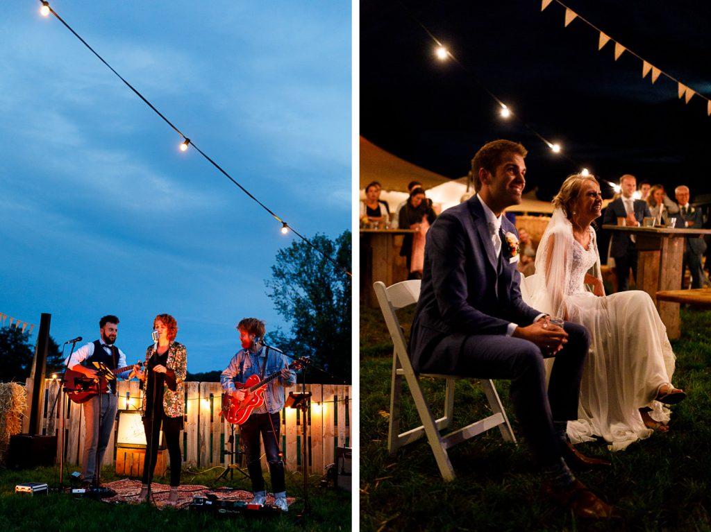Achtertuin bruiloft buiten