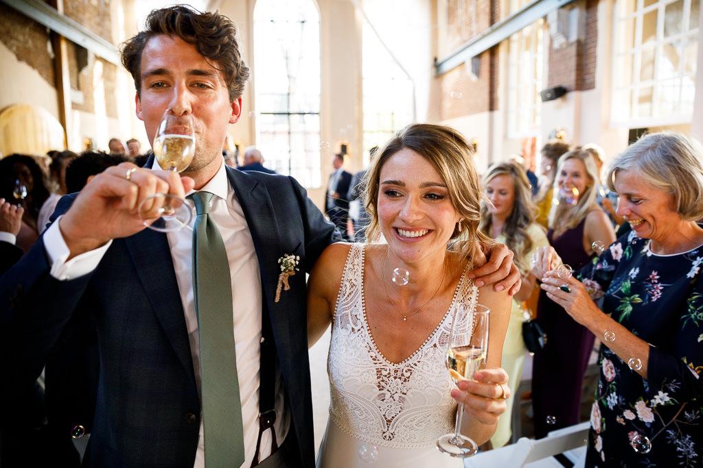Champagne tijdens bruiloft