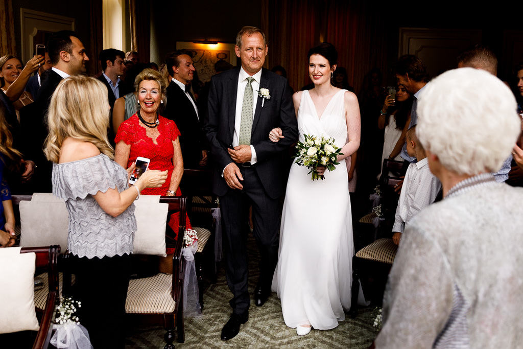 Binnen trouwceremonie Veluwe