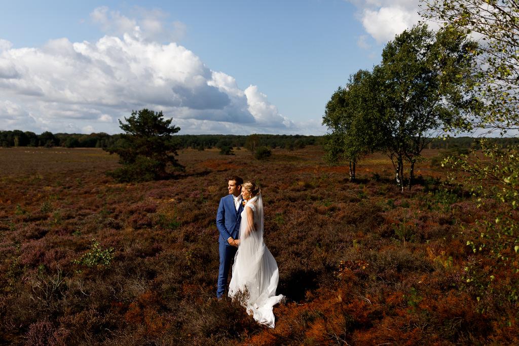 Bruiloft fotoshoot op de heide bij Gortel